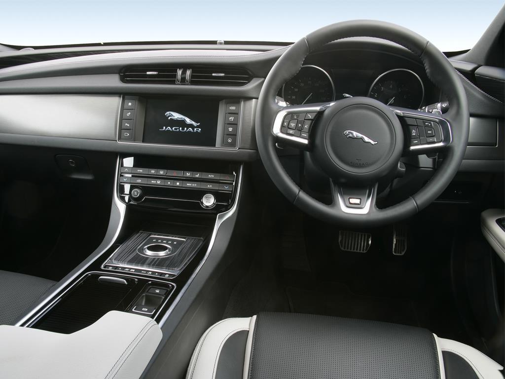 Jaguar E-pace Estate 2.0 P250 5dr Auto